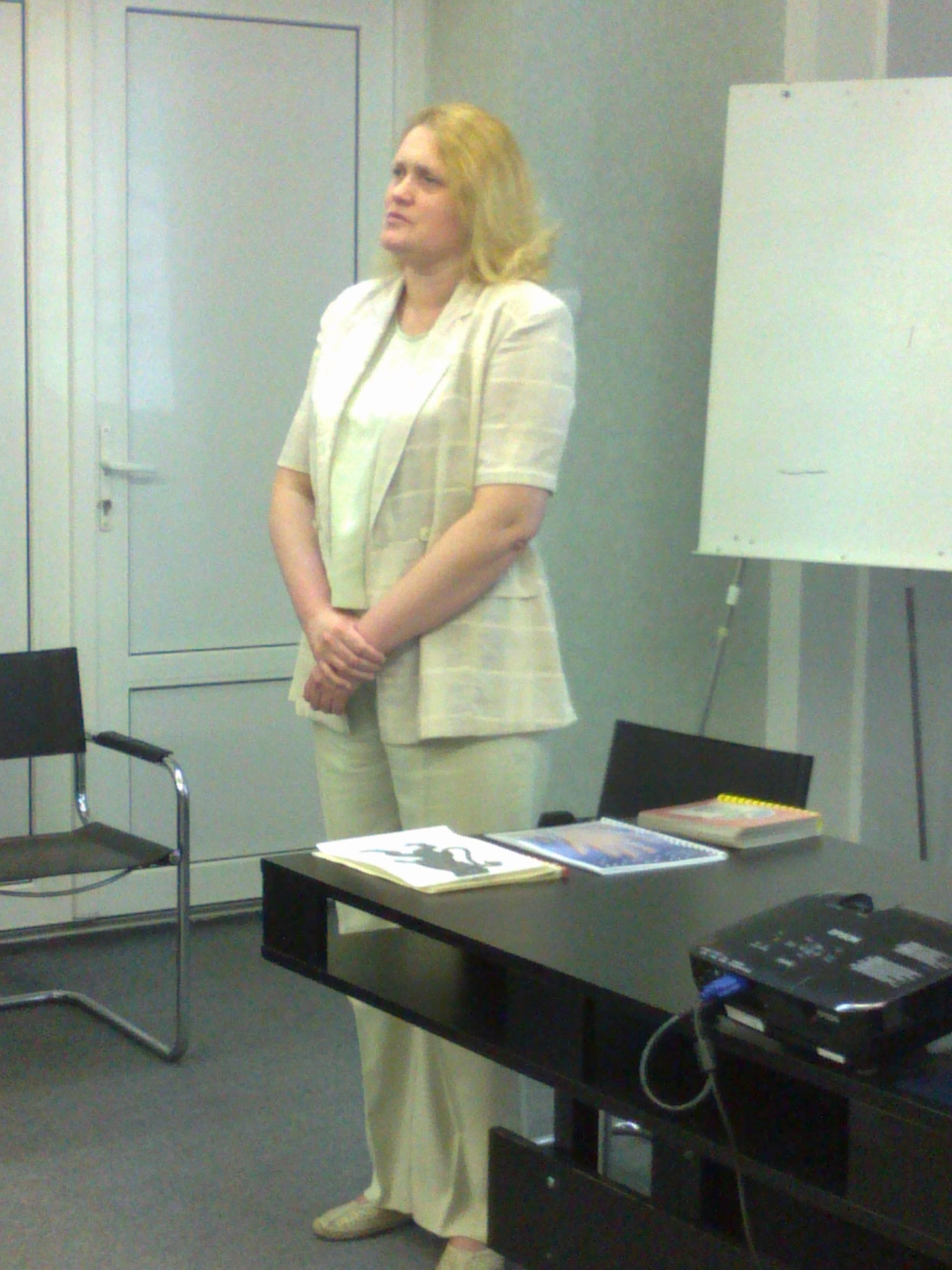 Семінар в Ужгороді 29.04.2012 р. Модератор Оксана Потимко