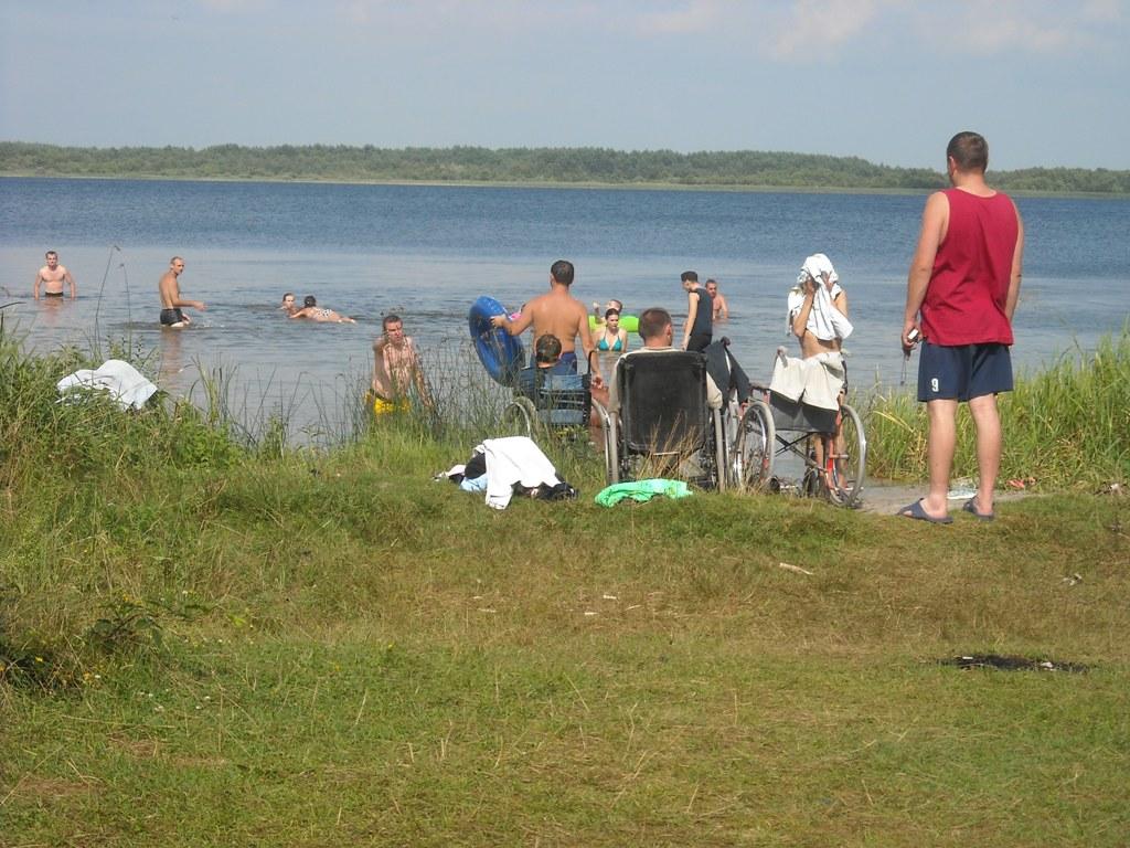 Водні процедури на озері